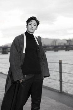korean traditional cloth hanbok - man's hanbok ' durumagi (it means outer cloth)' Korean Traditional Clothes, Traditional Fashion, Traditional Outfits, Korean Dress, Korean Outfits, Modern Hanbok, Korean Fashion, Mens Fashion, Kim Woo Bin