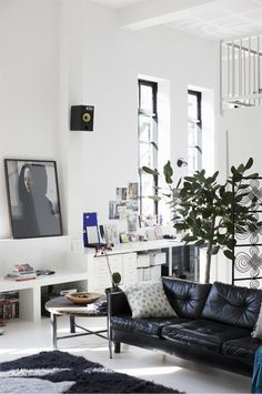 black leather vintage couches via http://www.scandinavianlovesong.com/