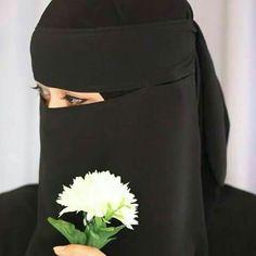 This is the right way to wear hijab. Hijab Niqab, Muslim Hijab, Hijab Chic, Hijab Outfit, Stylish Hijab, Arab Girls Hijab, Muslim Girls, Hijabi Girl, Girl Hijab