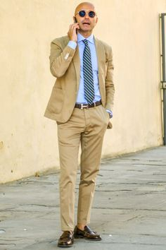 how can be amazing to khaki suit outfit Wedding suits men Mens fashion casual Khaki Suits, Mens Suits, Stylish Men, Men Casual, Suit Fashion, Mens Fashion, Black Men Beards, Beard Styles For Men, Summer Suits