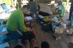 Por Dentro... em Rosa: Mais Médicos : O primeiro contato de muitos indíge...