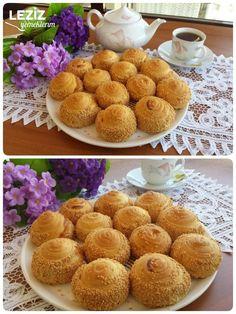 Krem Peynirli Çörek Bread And Pastries, Turkish Recipes, Cereal, Bakery, Restaurant, Cheese, Breakfast, Food, Kitchen