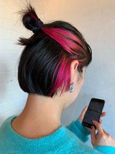 "Introducing a magical hair arrangement that makes ""cutted bob"" even more cute ♡ Hidden Hair Color, Two Color Hair, Hair Color Streaks, Hair Color Purple, Color Black, Peekaboo Hair Colors, Hair Highlights, Style Bob, Underlights Hair"