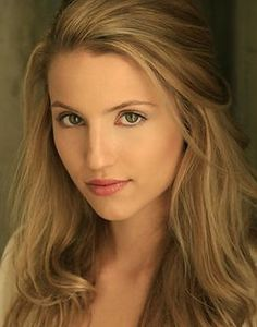 Girlfriend of main male character. Long blonde hair, green eyes, very pretty. Plays the Queen