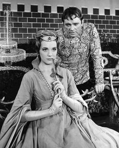 Julie Andrews and Richard Burton in 'Camelot' (1960).