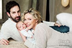 Katherine Heigl, husband Josh Kelley and new baby Joshua Bishop Kelley photographed at home in Oakley, Utah (near Salt Lake City) on January 10, 2017. THIS IS A HIGH RESOLUTION RETOUCHED FILE Photographer: Cheyenne Ellis Hair: David Babaii (no product or agency credit) Makeup: Debra Ferrello/Sephora Collection Colorful Collection†(no agency credit) Stylist: Heidi Meek/Opus Beauty No clothing credits needed Cheyenne Ellis 47028 1F889732