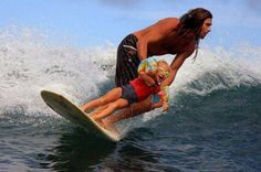 5 Tips To Teach Your Kid To Surf. tips and tricks how to surf with children Surf Mar, Wind Surf, Surfs Up, Best Dad, Belle Photo, Spring Summer, Summer Fun, Summer Sport, Summer Street