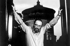 Caro Umberto Eco, Nonciclopedia. NON È Wikipedia.