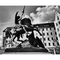 Statue of St. George - The Dragon Slayer Nikolaiviertel Berlin #InstaSquarer #hdr #blackandwhite #berlin #germany #Nikolaiviertel #черноеибелое #SchwarzundWeiß #statue #статуя #horse by corywendorf