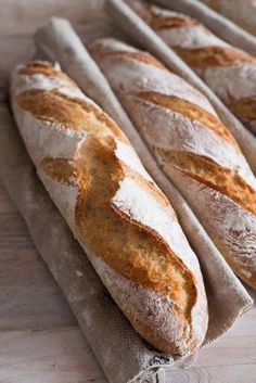 Baguettes Tradition française backen brot snacks-und-kleine-gerichte Französisch Kochen by Aurélie Bastian recipes artisan homemade Baguettes Tradition française Foccacia Recipe, Baguette Recipe, Paul Hollywood, Cant Stop Eating, Snacks, Artisan Bread, Bread Baking, Food Photo, Food And Drink