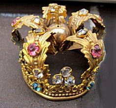 French Antique Crown Not actually a product, per se, but I do love it! Royal Crowns, Royal Tiaras, Crown Royal, Tiaras And Crowns, Antique Jewelry, Vintage Jewelry, Antique Rings, Queen Crown, Royals