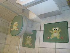 Jogo de banheiro em patchwork; tecido 100% algodão; manta acrílica primeira linha; todo quiltado; cores e temas a escolha do cliente. Para depóstio em conta, desconto de 10%. Despesas do correio com 50% de desconto. R$ 95,00
