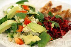 Avocado salad with chicken