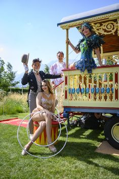They grew up in the circus: Lili Paul, Geraldine Philadelphia, Devlin Bogino and Freddy Nock are real circus children. The artists of the Circus Theater Roncalli perform daily in July and August 2019 in the Swarovski Crystal Worlds. How was life as a circus child? We asked them ... #kristallwelten Swarovski Crystal World, Swarovski Crystals, Summer Travel, Philadelphia, Growing Up, Theater, Lily, Artists, Children