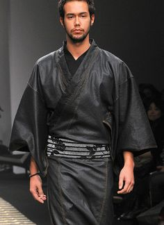 Another kimono by designer Jotaro Saito. I love his work!