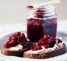 Redcurrant & red onion relish