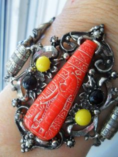 mid century BIG Egypt style bracelet with Czech glass Pharoahs gun metal setting #Anonymousbeauty #EgyptianMoorishSpecialOccasionStatement