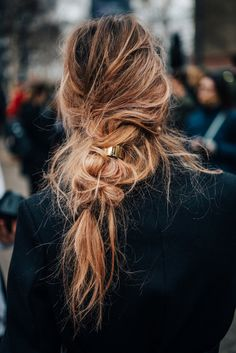 messy braid. | Pinterest: Natalia Escaño