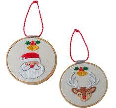 Colgantes bordados Christmas Ornaments, Holiday Decor, Home Decor, Pendants, Xmas, Needlepoint, Decoration Home, Room Decor, Christmas Jewelry