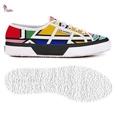 Superga Le Superga for Men and Women. Find your Shoes on our Superga Online Store: CHULAAP. Superga, African Fashion, African Style, Classic Italian, Painted Shoes, Italian Fashion, Your Shoes, Designer Shoes, Street Wear