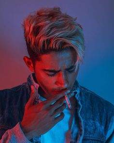 Remember smoking is bad but hair looked cool while doing so . B 스타일 Portrait Photography Men, Photography Poses For Men, Photography Hashtags, Photography Outfits, Street Photography, Photo Poses For Boy, Boy Poses, New Photo Style, Danish Men