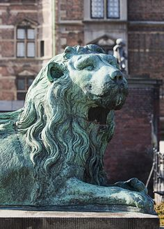 The lion guards the castle. Copyright: Rosenborg Castle / Rosenborg Slot