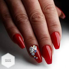 Discover cute and easy nail art designs for all occasions. Find inspiration for Easter, Halloween and Christmas and create your next nail art design. Coffin Nails Glitter, White Coffin Nails, Glitter Accent Nails, Coffin Shape Nails, Coffin Nails Long, Red Glitter, Coffin Acrylics, Aycrlic Nails, Ballerina Acrylic Nails