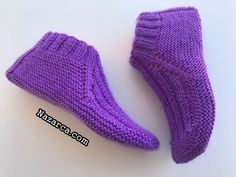 [Toplam: 3 Ortalama: two skewers We present it to you for video narration. Booties modelOur model is quite easy if you prefer two skewers Baby Knitting Patterns, Mittens, Slippers, Socks, Fashion, Purple, Recipes, Slipper, Shoes Sandals