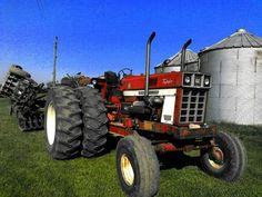 tractor with twin turbo's. International Tractors, International Harvester, Case Ih Tractors, Vintage Farm, Twin Turbo, Big Trucks, Farm Life, Monster Trucks, Farming