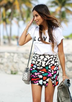 click to shop our exclusive LOVE Who What Wear tee $30 as worn by @Sincerely Jules