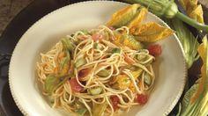 Tagliolini con fiori di zucca e zucchine