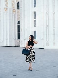 Lace Accents Black and White midi skirt. // www.thebobbedbrunette.com