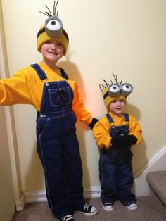 Wesley wants to be a minion. Minion costume - Despicable Me Maybe Gavin will want to be a minion! Minion Halloween, Fete Halloween, Minion Party, Holidays Halloween, Halloween Costumes For Kids, Halloween 2014, Toddler Minion Costume, Homemade Minion Costumes, Diy Halloween Costumes