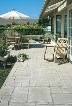 Concepts for small backyard patios are infinite! Do not be discouraged in case your backyard is tiny and also you assume it can not accommodate a tough floor seating space. A patio could be constructed in a nook with ease, Concrete Patio Designs, Cement Patio, Backyard Patio Designs, Diy Patio, Backyard Landscaping, Stamped Concrete Patios, Stamped Concrete Patterns, Pattern Concrete, Backyard Ideas