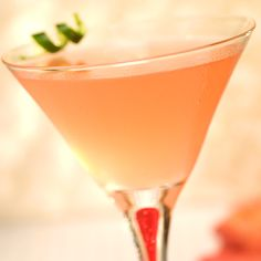 Start the night right with a Green Tea Cosmo! #Cocktails #Vodka