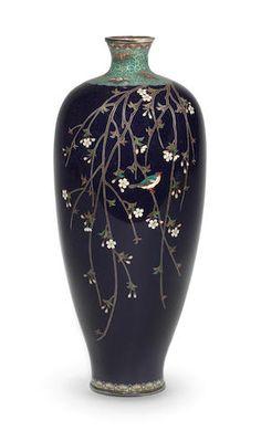 A cloisonné-enamel slender ovoid vase By Kinunken of Kyoto, Meiji era Ceramic Decor, Ceramic Vase, Ceramic Pottery, Porcelain Vase, Japanese Vase, Japanese Ceramics, Vases Decor, Art Decor, Pottery Painting Designs