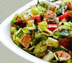 Authentic Fattoush Salad recipe - just the way it should be prepared! l Chicho's Kitchen: Fattoush salad - Lebanese salad Salad Bar, Soup And Salad, Fatoush Salad, Turnip Salad, Lebanese Salad, Rainbow Salad, Cooking Recipes, Healthy Recipes, Quick Recipes