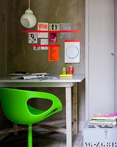 Neon home office Home Office, Small Office, Floor Design, House Design, Le Logis, Interior And Exterior, Interior Design, Interior Trim, Workspace Inspiration