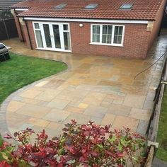 The demand for products and treatment leads to some very innovative organic gardening techniques. Now is your chance to find something that works for your organic garden. Patio Slabs, Cement Patio, Concrete Flags, Patio Stone, Patio Tiles, Indian Sandstone Paving Slabs, Back Gardens, Small Gardens, Tall Plants