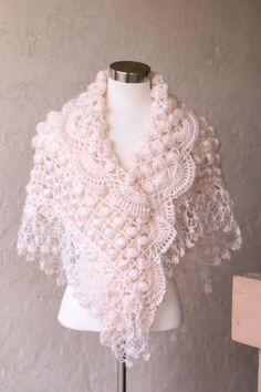 Bridal Shawl / Bridal Shrug Bolero / Shrug / by MODAcrochet Shawl Crochet, Gilet Crochet, Crochet Scarves, Crochet Clothes, Crochet Stitches, Wedding Cape, Bridal Cape, Wedding Shawl, Wedding Dress