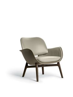 Find out more about the Martha Armchairs by Roberto Lazzeroni and explore Poltrona Frau's furniture collection. Rocking Chair Redo, Diy Chair, Sofa Chair, Couch, Lounge Sofa, Quality Furniture, New Furniture, Furniture Design, Office Furniture