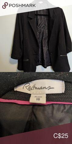 Black blazer Love this blazer reitmans Jackets & Coats Blazers Blazer Outfits Casual, Blazer Fashion, How To Wear Blazers, Blazer Pattern, Sports Jacket, Colored Blazer, Jackets For Women, Plus Fashion, Womens Fashion
