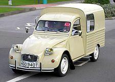 Citroen Furgoneta - Just luv it! Retro Cars, Vintage Cars, Antique Cars, Psa Peugeot Citroen, 2cv6, Transporter, Car Videos, Small Cars, Old Trucks