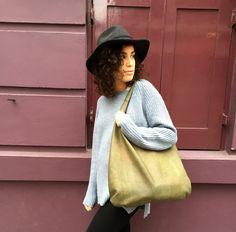 Musician Sonia Stein wears her vege BIG OAK bag by OAK BAGS.