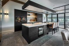Exclusief interieur | Studio Vendrig | The Art of Living (NL) Home Decor Kitchen, Kitchen Interior, Home Interior Design, Home Kitchens, Kitchen Ideas, Open Kitchen, Modern Kitchen Design, Home And Living, Contemporary Design