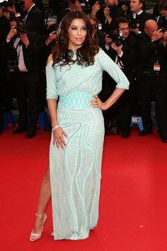 Eva Longoria con un vestido de turquesa candy  de Atelier Versace.