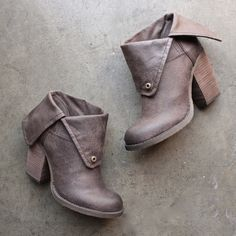 sbicca - chord fold-over boots - taupe - shophearts - 6 Crazy Shoes, Me Too Shoes, Buy Shoes, Botas Boho, Terno Slim, Heeled Boots, Bootie Boots, Fold Over Boots, Chelsea
