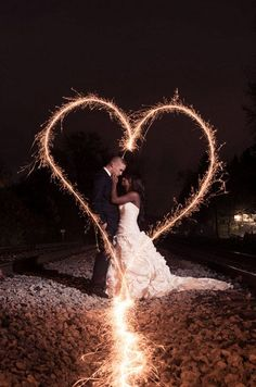 Sparklers for the wedding - Dreamlike wedding pictures ideas Wedding Fotos, Pre Wedding Photoshoot, Wedding Pictures, Interracial Wedding, Interracial Couples, Dream Wedding, Wedding Day, Wedding Venues, Wedding Sparklers