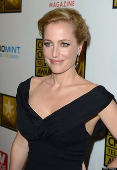 The X Files' Gillian Anderson Opens Up About Lesbian Affairs Following The Death Of Former Girlfriend | The Huffington Post