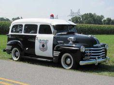 1948 Chevrolet Suburban.                                                                                                                                                                                 Mais